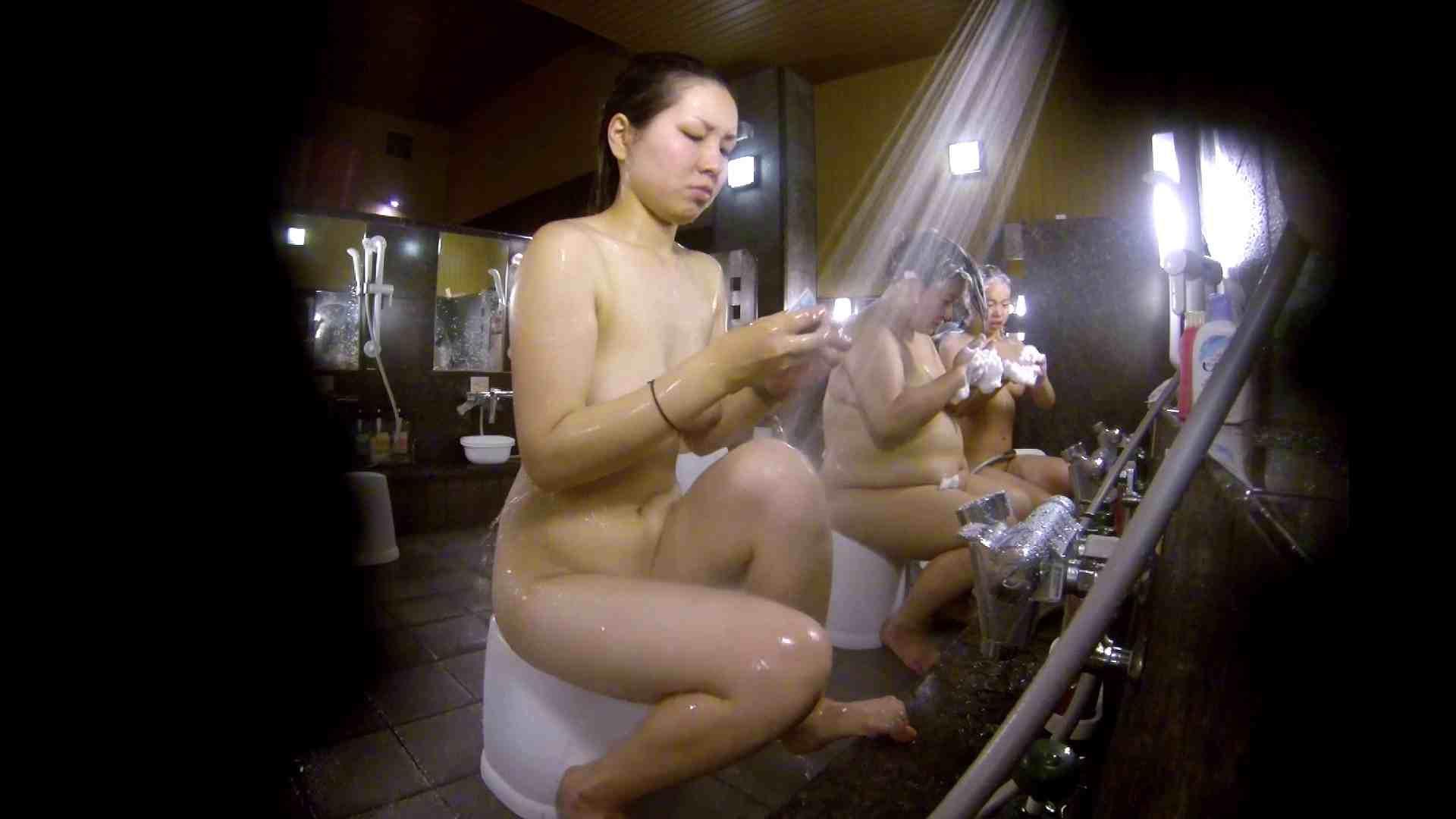 おまんこ:洗い場!色白でなかなかの美巨乳。柔らかく揺れまくりです:怪盗ジョーカー