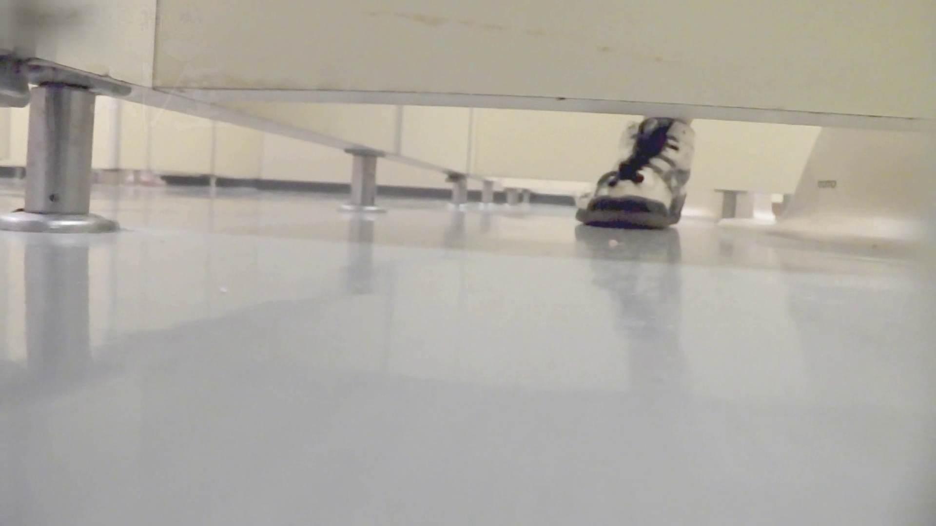 マンコ丸見え!第三体育館潜入撮File001 人気シリーズ | 女子トイレ  104pic 50