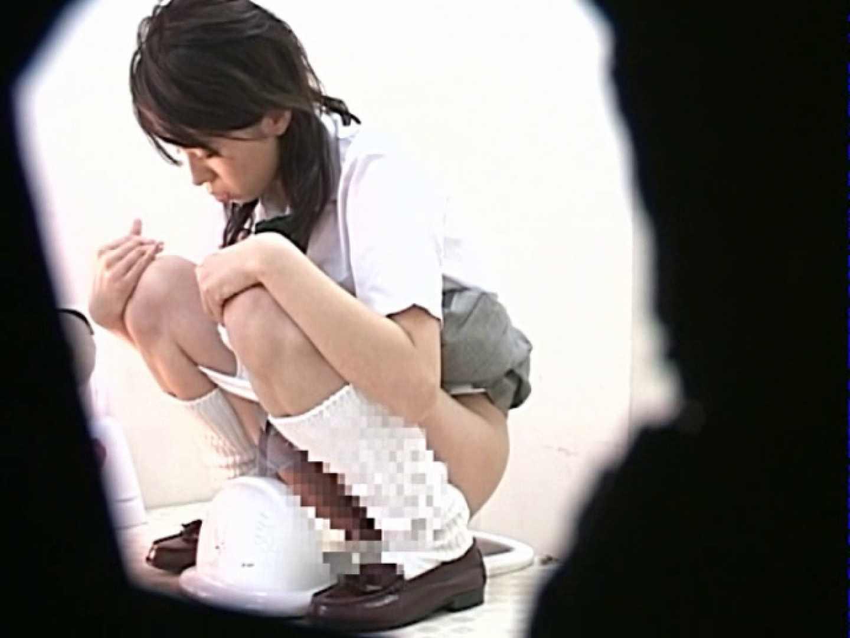 M字開脚制服女子を真下から盗撮! 高画質 | 肛門  88pic 4