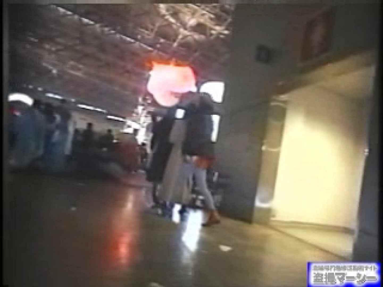 女盗撮師がコスプレ会場の厠に潜入しちゃいました! 盗撮 | 潜入シリーズ  90pic 44