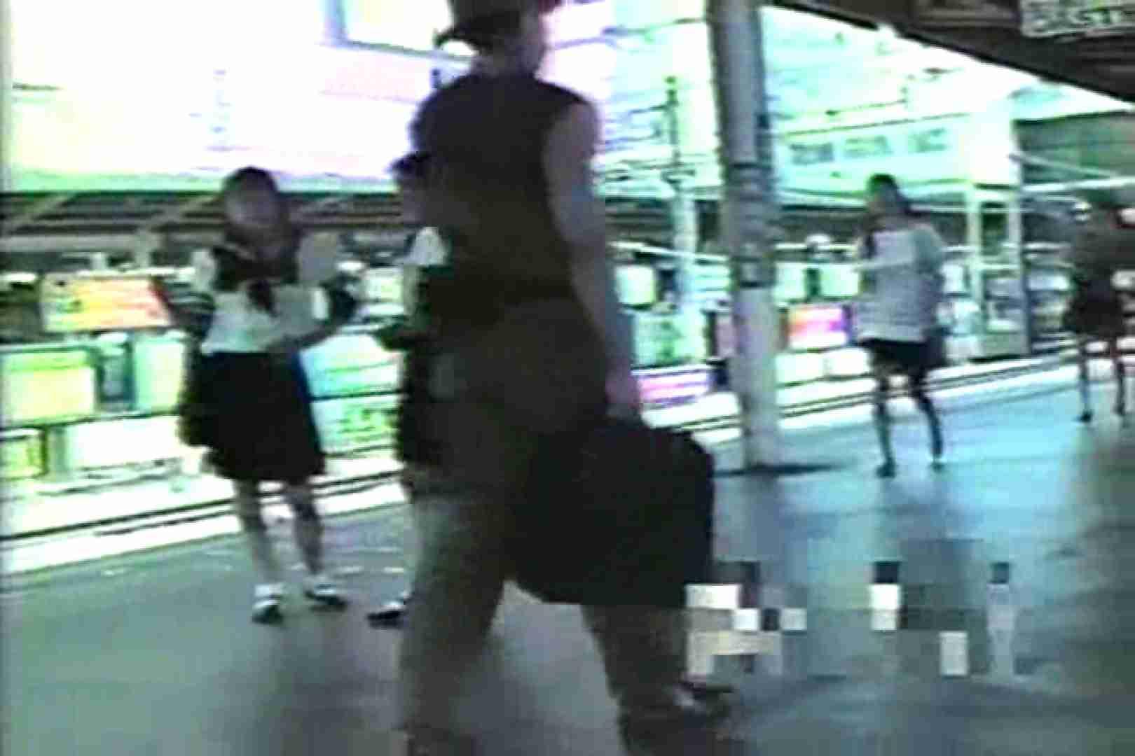 おまんこ:痴漢の眼「女子校生フレアースカートの中!」TNK-01:ピープフォックス(盗撮狐)