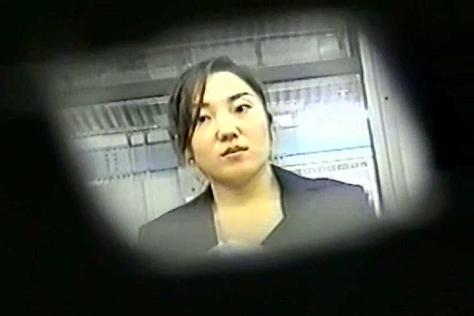 おまんこ:電車で発見!!デルタゾーンVol.4:ピープフォックス(盗撮狐)